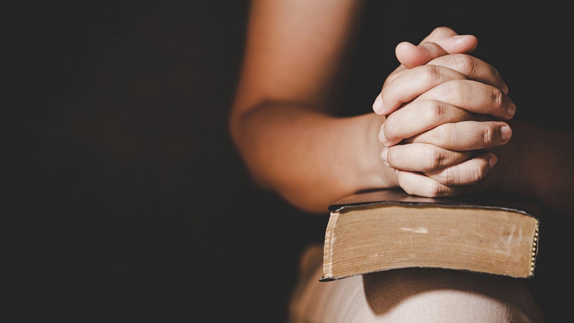 bön händer bibel 24/4