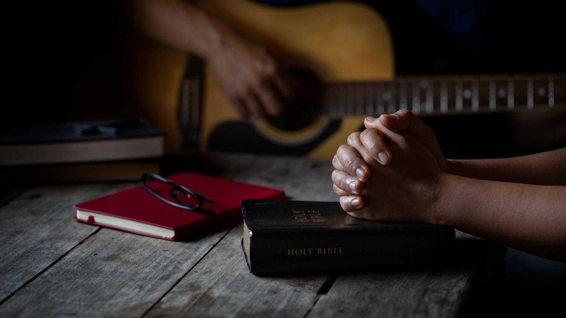 210114-webb-musikseminarium bön musik gitarr sång bibel