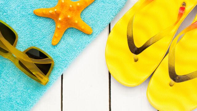 Solglasögon och sandaler