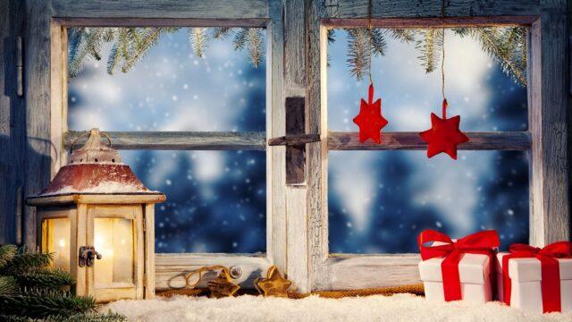 jul ljus lykta paket fönster